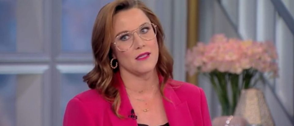 """S.E. Cupp appears on """"The View."""" Screenshot/ABC"""